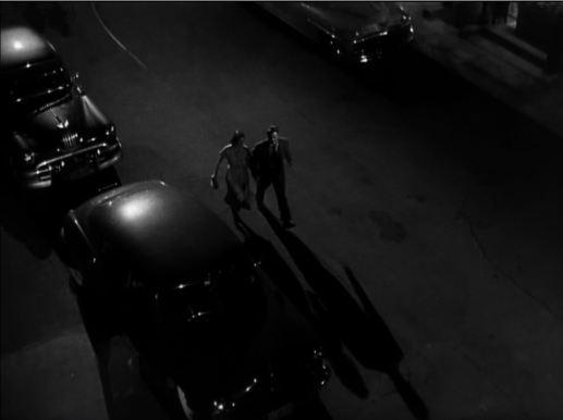 histoire de détective couple fuyant dans la nuit